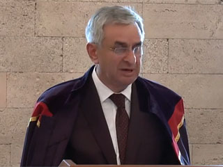 Торжественная церемония присвоения степени почетного доктора honoris causa ИВ РАН Президенту Республики Абхазия г-ну Раулю Хаджимбе